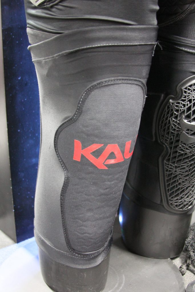 ONE OF KALI'S OTHER KNEE PADS HAS A DIFFERENT INTERNAL MATERIAL, THOUGH TOUGH, THIS ONE IS A MORE BASIC PROTECTION THEN THE NEW KNEE PAD WE JUST TALKED ABOUT. KALI PUTS IN A LOT OF EFFORT IN TO ALL THEIR PROTECTION. THIS HAS TO MADE THE CONSUMER FEEL GOOD WHEN THEY GO DOWN AND GET UP.