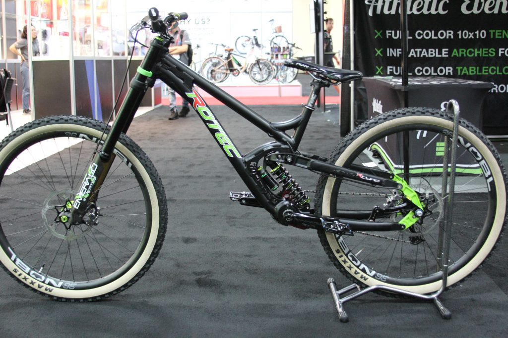 29'ER ANYONE?? LEAN AND MEAN JOHN SULLIVAN HAS A WORLD CUP BIKE ON HIS HANDS.  ANY TAKERS??