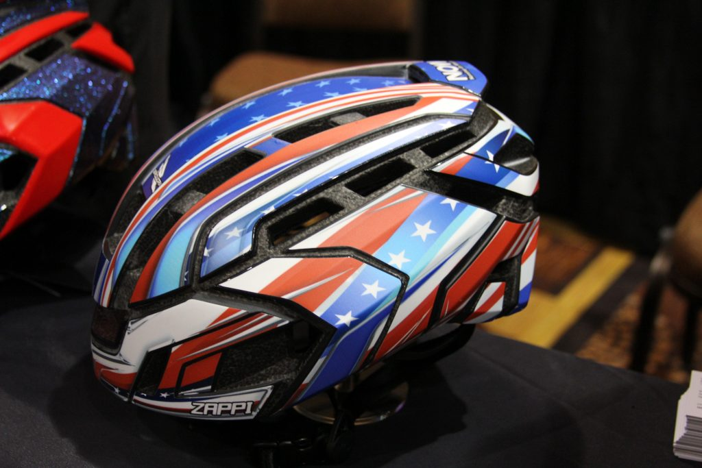 YOU LIKE TO CUSTOMIZE YOUR LID, WELL WHO DOESN'T.  NOW OFFERS COOL DECAL SET TO MAKE YOUR HELMET AND YOU LOOK LIKE A PRO. CAPTAIN AMERICA WOULD LOVE THIS ONE.